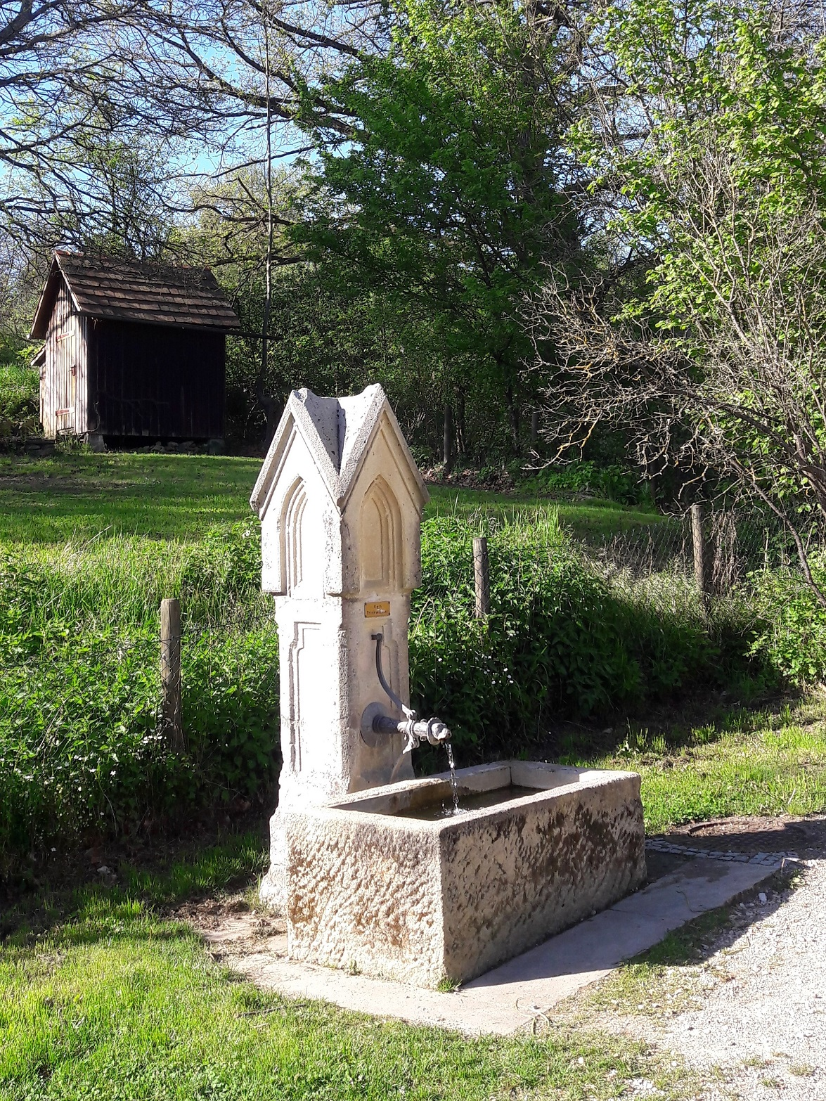 Brunnen Spielplatz Ehrenbachtal